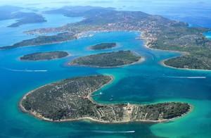Vue aérienne de Murter et des îles voisines