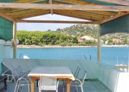 Ferienwohnungen Nedeljko 2 + 1, 4 + 1, Insel Murter-Betina